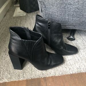 H By Halston Black Leather Boot Sz 8